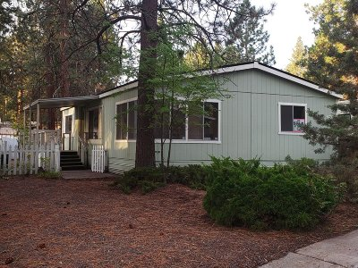Bend Single Family Home For Sale: 61040 S Queens Dr 15