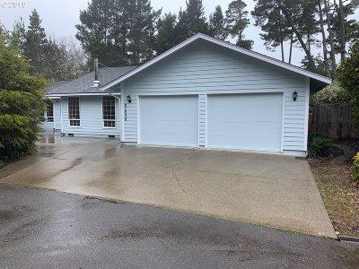 Florence Single Family Home Pending: 87838 Sandrift St