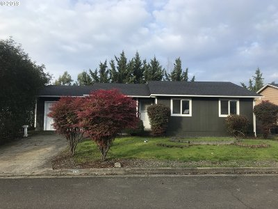 Roseburg Single Family Home For Sale: 245 Lancaster Ave