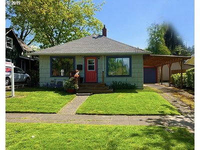 Eugene Single Family Home For Sale: 2271 Emerald St