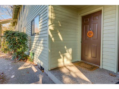 Aloha Condo/Townhouse For Sale: 5160 SW 180th Ave #13