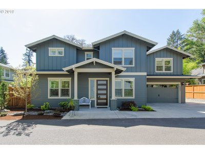 Lake Oswego Single Family Home For Sale: 5332 Lower Dr