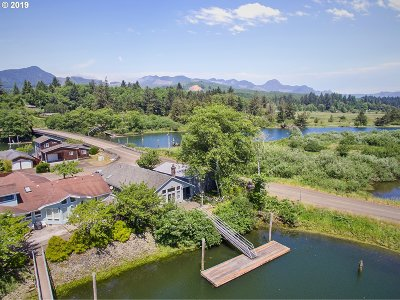 Nehalem Single Family Home For Sale: 38085 Island Dr