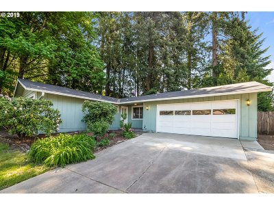 Tigard Single Family Home For Sale: 12490 SW Walnut St