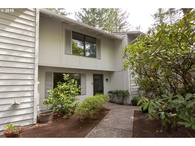 Lake Oswego Single Family Home For Sale: 4268 Woodside Cir