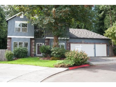 Multnomah County Single Family Home For Sale: 2114 NE 230th Ct
