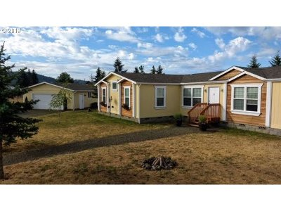 Roseburg Single Family Home For Sale: 575 Dairy Loop Rd