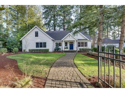 Lake Oswego Single Family Home For Sale: 367 10th St