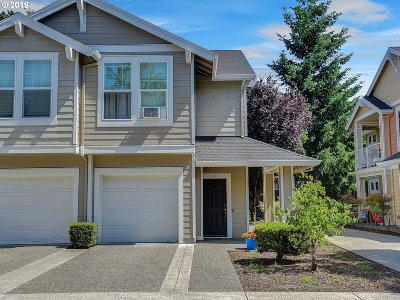 Beaverton Condo/Townhouse For Sale: 7216 SW Manor Way #D