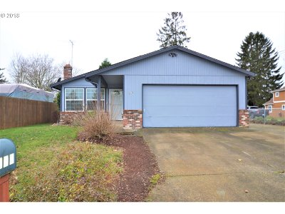 Gresham Single Family Home For Sale: 505 NW Angeline Ave