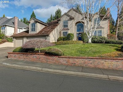 Portland Single Family Home For Sale: 12803 NW Lorraine Dr