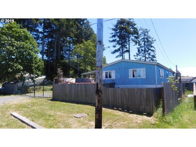 Coos Bay Single Family Home For Sale: 90856 Hollywood Ln