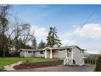 Portland Single Family Home For Sale: 17925 NW Chestnut Ln