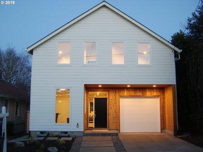 Portland Single Family Home For Sale: 4618 NE 31st Ave