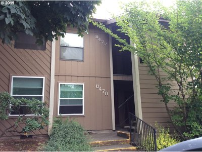 Tualatin Condo/Townhouse For Sale: 8472 SW Mohawk St #8472
