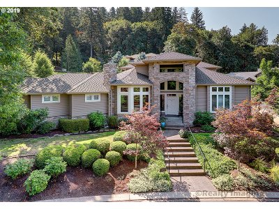 Lake Oswego Single Family Home For Sale: 18803 Riven Dell Ct