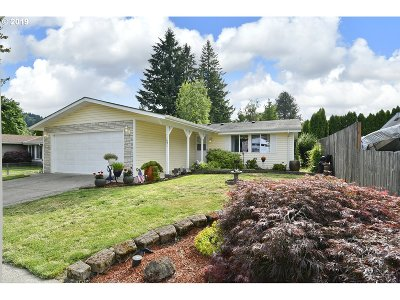 Gresham Single Family Home For Sale: 1691 SE Cedar Creek Pl