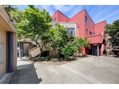 Condo/Townhouse For Sale: 930 NW Naito Pkwy #K12