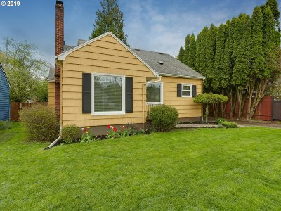 Multnomah County Single Family Home For Sale: 4436 SE 48th Ave