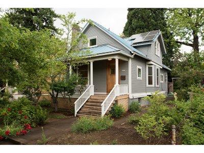 Single Family Home For Sale: 1837 SE Ash St