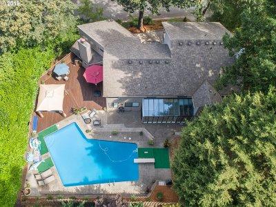 Lake Oswego Single Family Home For Sale: 49 Hillshire Dr