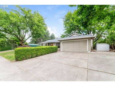 Hillsboro Single Family Home For Sale: 2509 NE Grant St