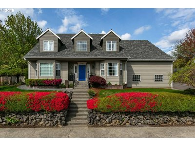 Happy Valley, Clackamas Single Family Home For Sale: 12575 SE Bluff Dr