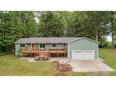 Cowlitz County Single Family Home For Sale: 147 Fernmeadow Dr