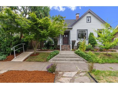 Cully, Beaumont-Wilshire, Hollywood, Rose City Park, Madison South, Roseway Single Family Home For Sale: 3205 NE 75th Ave