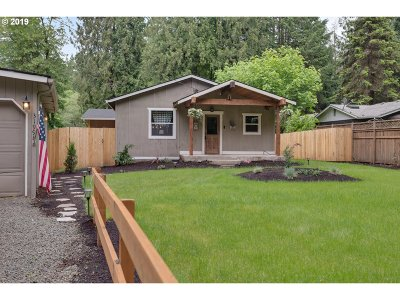 Clackamas County Single Family Home For Sale: 31998 S Shady Dell Rd