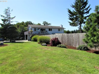 Coos Bay Single Family Home For Sale: 830 Webster