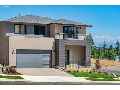 Happy Valley Single Family Home For Sale: 16883 SE Huckleberry St