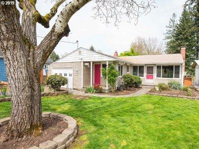 Portland Single Family Home For Sale: 10925 NE Skidmore St