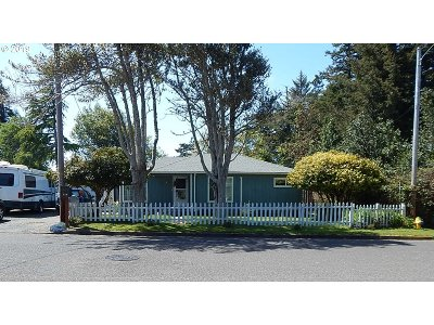 Coos Bay Single Family Home For Sale: 158 Hull St
