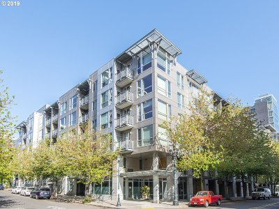 Portland Condo/Townhouse For Sale: 1125 NW 9th Ave #111