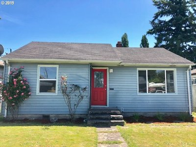 Cowlitz County Single Family Home For Sale: 282 23rd Ave