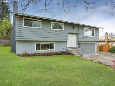 Happy Valley Single Family Home Pending: 9104 SE Valentine Dr