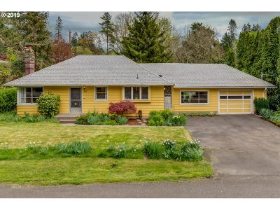 Portland Single Family Home For Sale: 4100 SW 91st Ave
