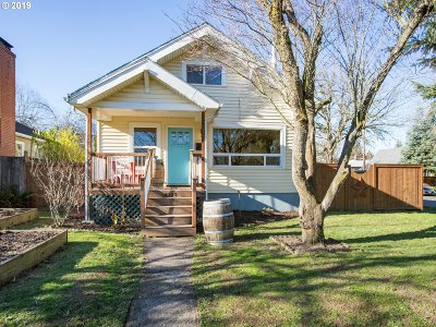 Portland Single Family Home For Sale: 4303 SE 48th Ave