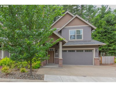 Lake Oswego Single Family Home For Sale: 17615 Sydni Ct