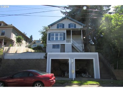 Clackamas County Multi Family Home Pending: 616 11th St