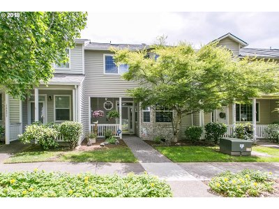 Clackamas Single Family Home For Sale: 14448 SE Bridgeton St