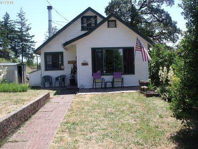 Junction City Single Family Home For Sale: 94607 Turnbow Ln