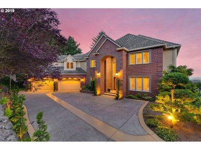 Portland Single Family Home For Sale: 9726 NW Sunrise Ln
