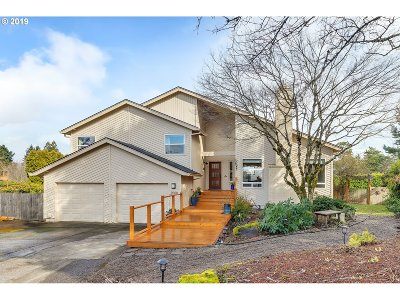 Lake Oswego Single Family Home For Sale: 2508 Orchard Hill Pl