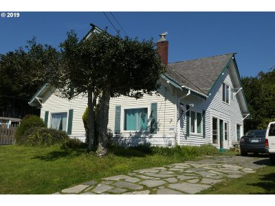 Gold Beach OR Multi Family Home For Sale: $325,000