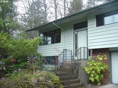 Portland Single Family Home For Sale: 2337 SW Dewitt St