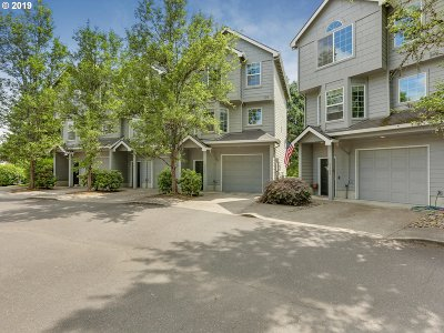 Clackamas County Condo/Townhouse For Sale: 6180 SE Lake Rd
