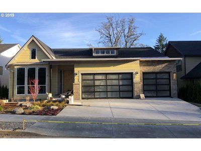 Single Family Home For Sale: 1217 SW Ophelia St