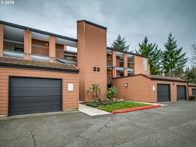 Lake Oswego Condo/Townhouse For Sale: 172 Oswego Smt